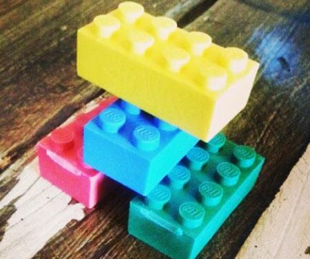 lego-brick-eraser-heads
