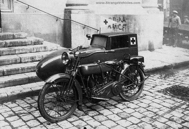 Ambulance 1920s