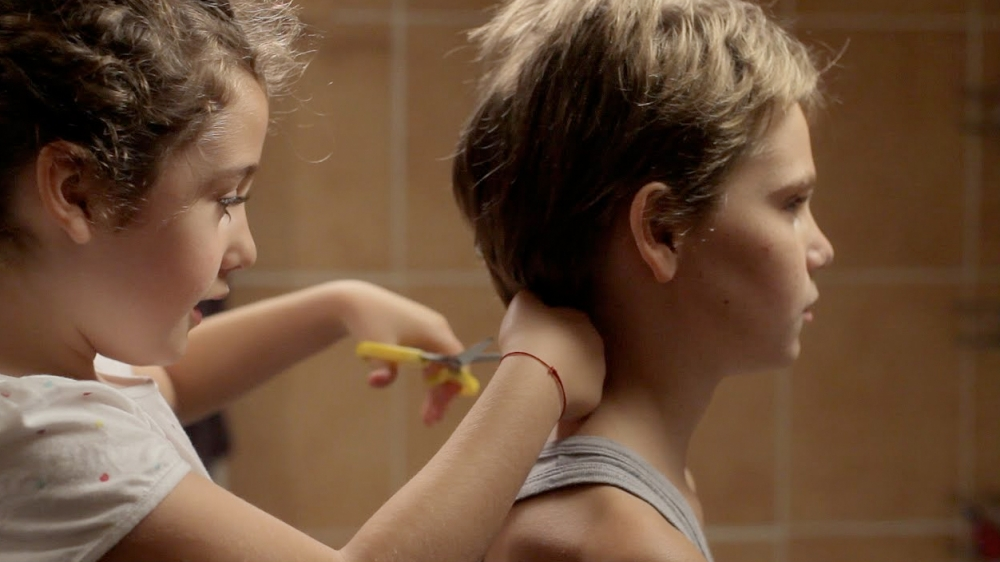 25. tomboy-2011-001-girls-cutting-hair